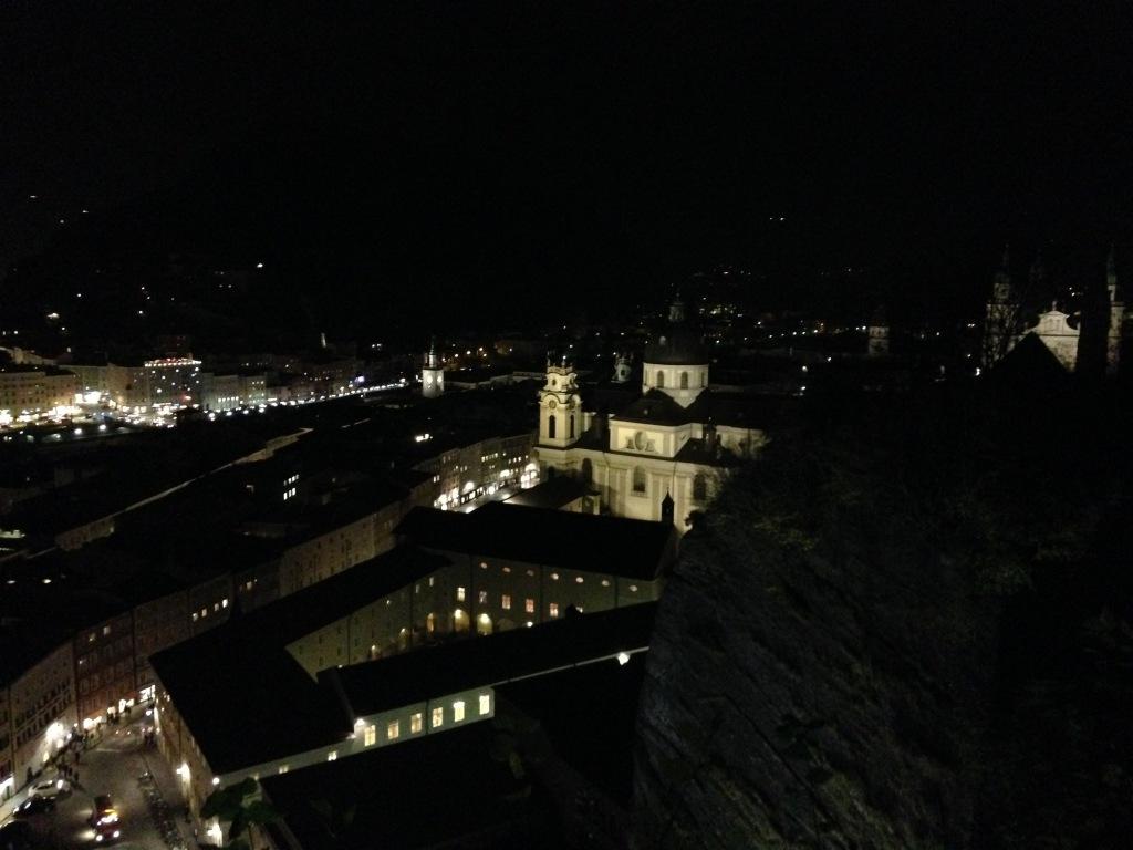 Auf den Mönchsberg, über den Dächern Salzburgs!